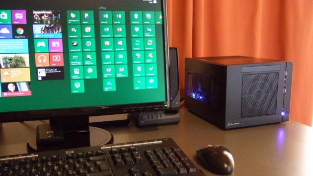 Ecco il PC finalmente in funzione, posizionato sulla scrivania.