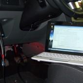Il PC collegato all'auto con il programma ELMconfig.